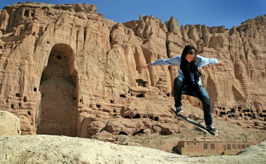 120907_erika-buddha-bamiyan-2010-sm